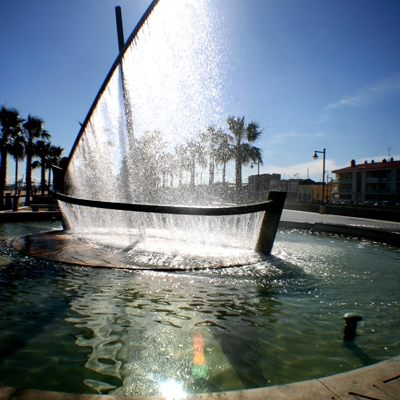Fountain beside Malvarrosa beach