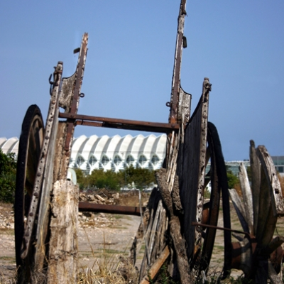 An old cart in the campo beside the City of Arts and Sciences